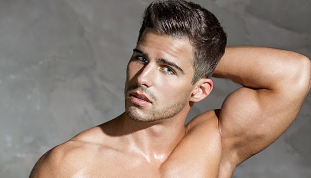 The Ten: Roman Dawidoff & His Chiseled Body Have Lasted On Top For Four Weeks
