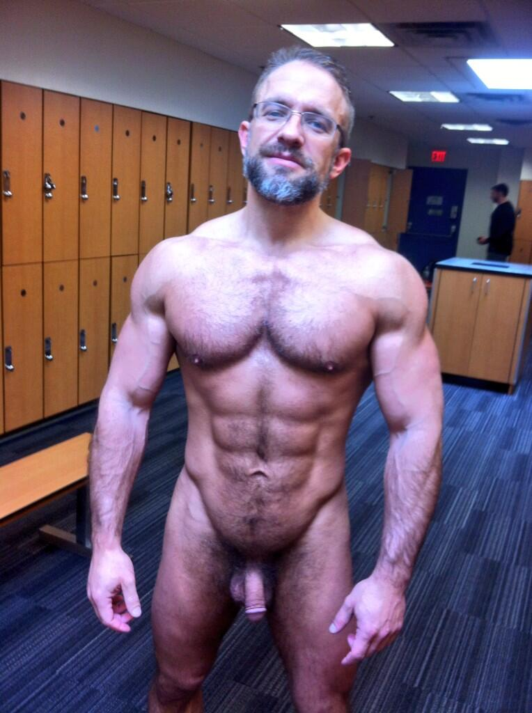 Dirk Caber locker room selfie