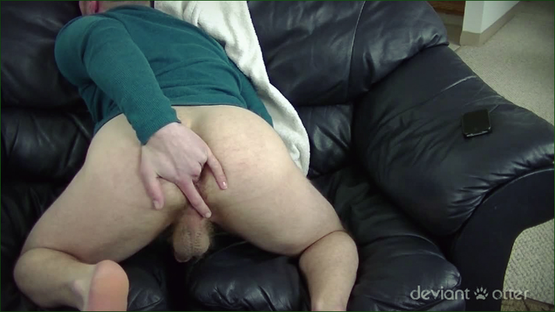 Deviant Otter jerks off in Modern Phone Sex gay porn solo scene.