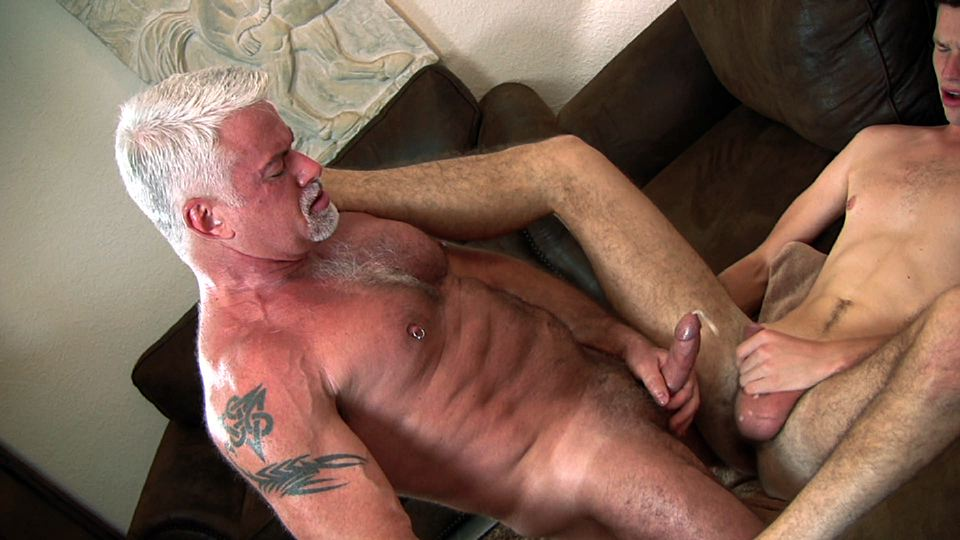 gay guy first time by big dick
