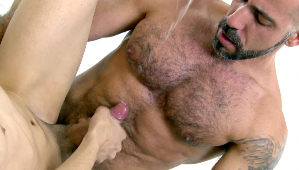 Daddy Blowing Gay Porn