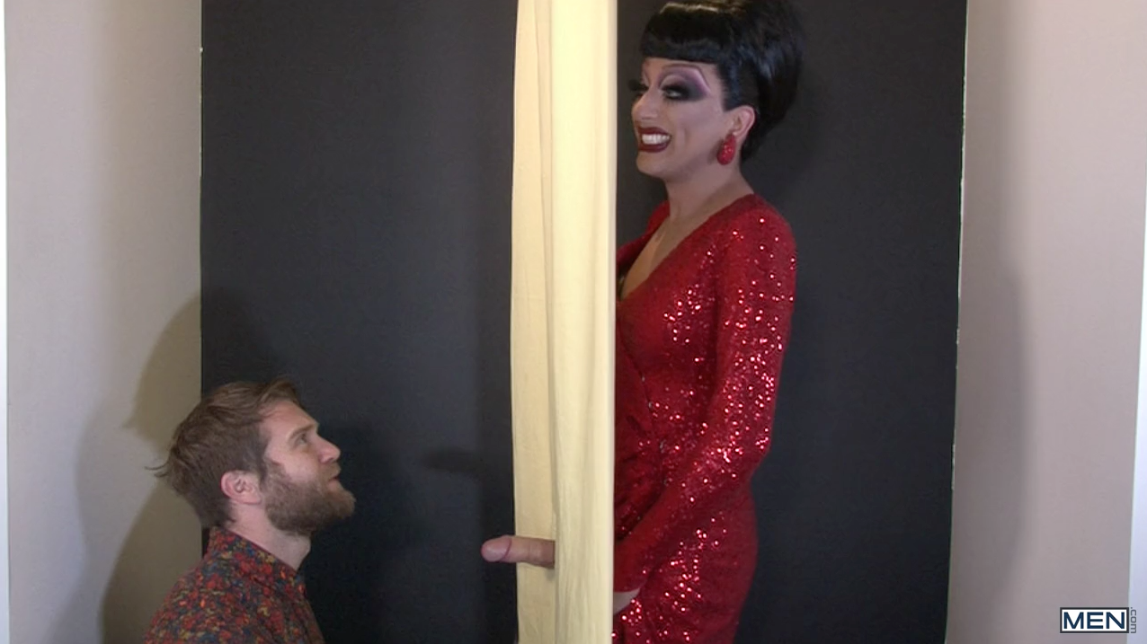 Drag queen gloryhole porn