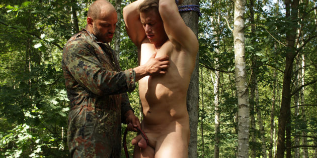 Let's Get Kinky: Uncut Dude with Dick-Sucking Lips Gets Treed